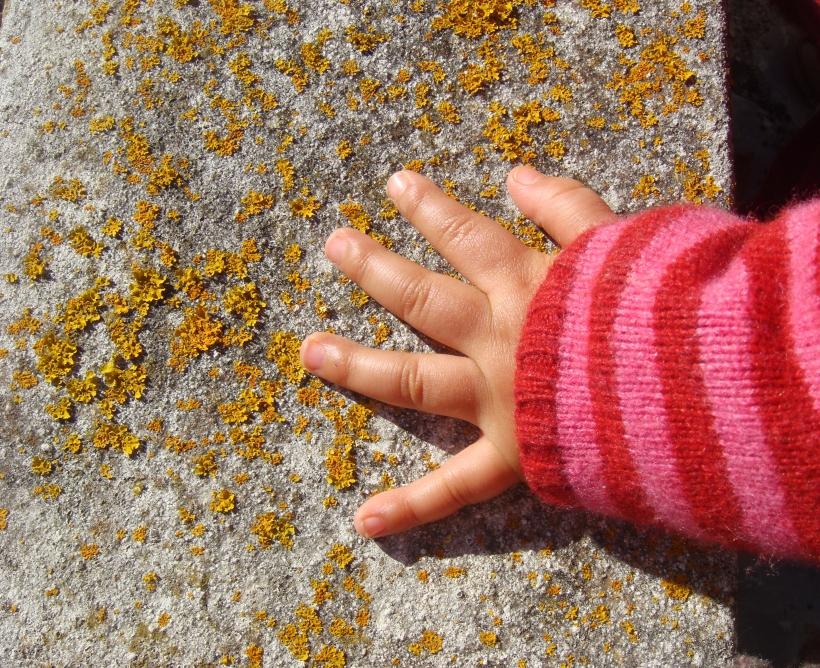 mão da Beatriz bebé