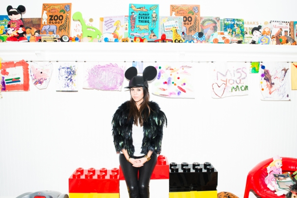 Kourtney_Kardashian- the coveteur criança