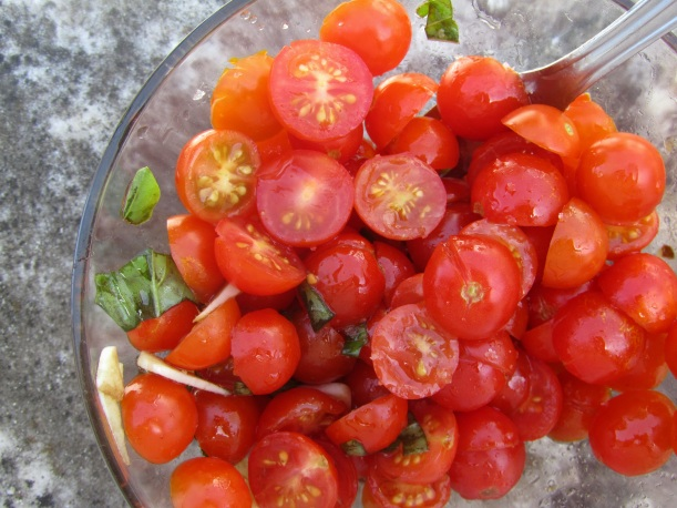 Salada de tomate cereja