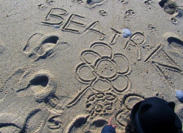 Beatriz na areia