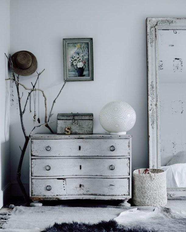 quarto-branco-retro-como-pendurar-colares