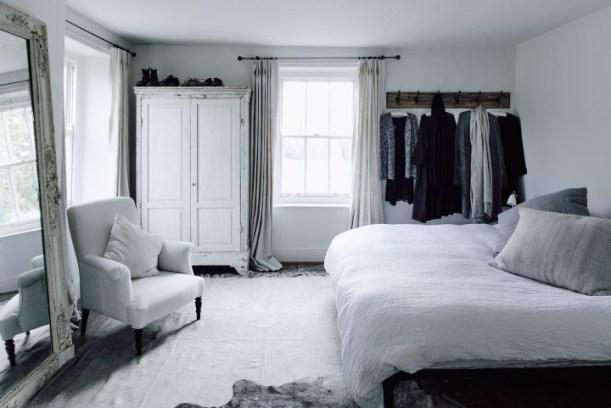 quarto-branco-retro-materiais-naturais