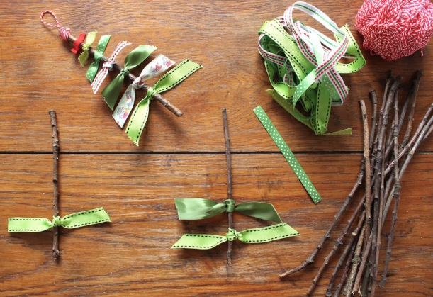 christmas-tree-ribbon-decoration-steps