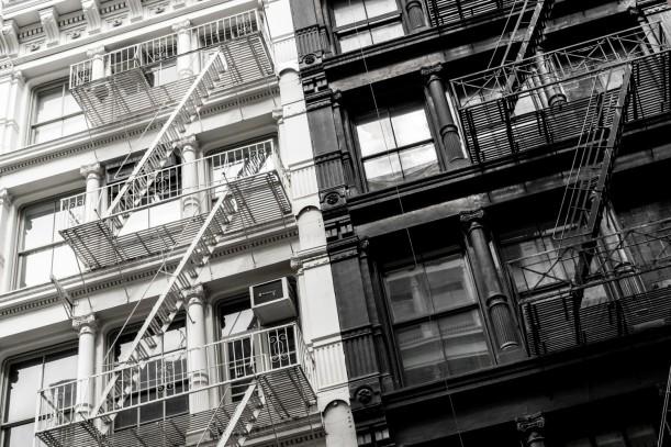 FIGTNY Edifício branco e preto