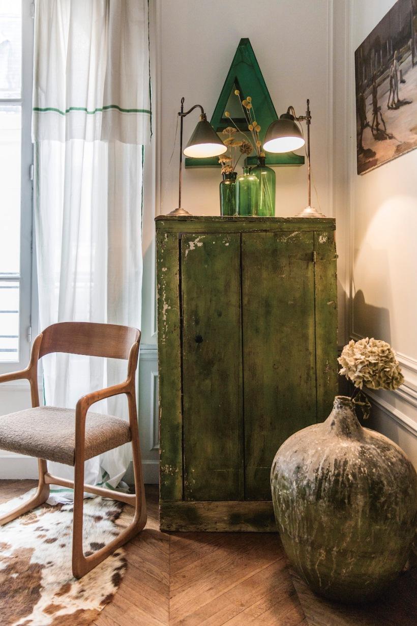 ArianeDalle armário antigo integrado na decoração